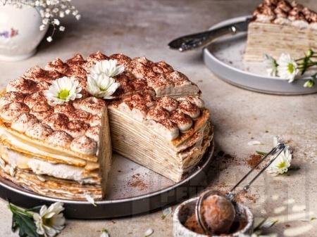 Палачинкова торта тирамису с крем с маскарпоне, сметана и извара - снимка на рецептата